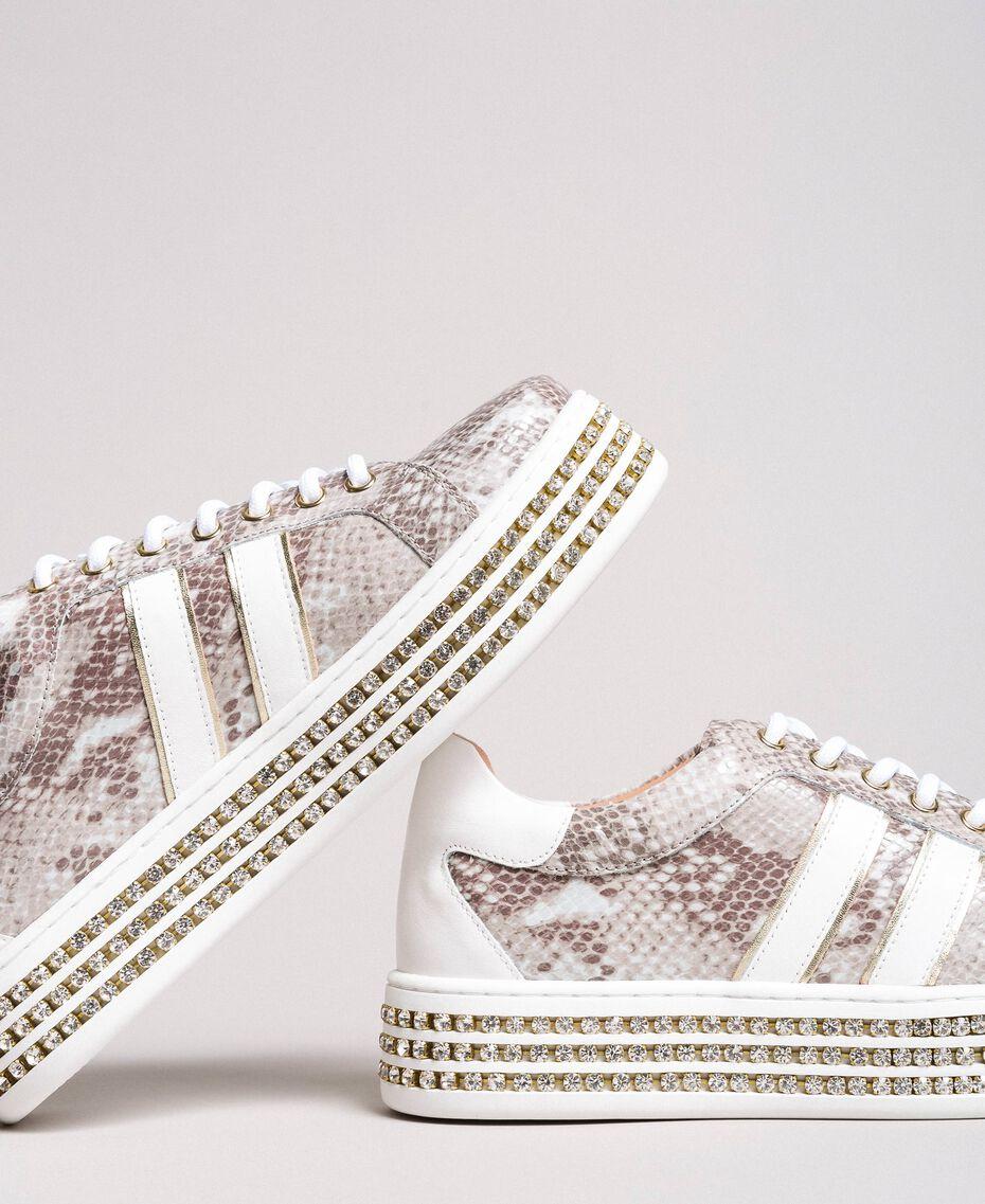 Leder-Sneakers mit Strasssteinen Silber Frau 191TCP170-05