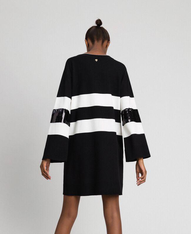 Robe en maille rayée avec sequins Bicolore Noir / Lys Femme 192MT3200-03