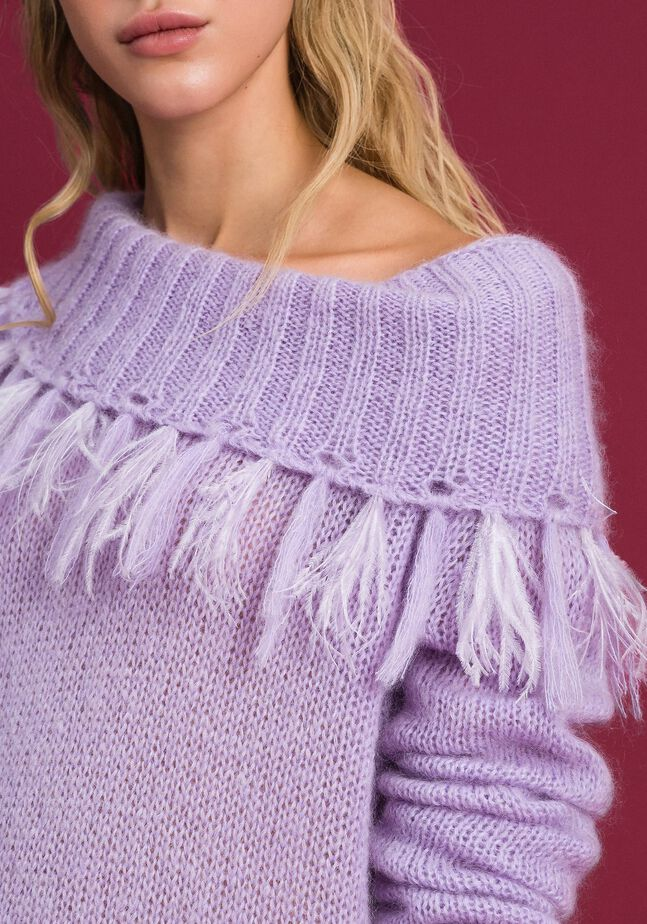 Mohair jumper with feathers and fringes