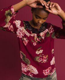 Bluse aus Krepon mit Blumenprint Print Rote-Bete-Rot Geranie Frau 192TP2724-02