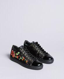 Sneakers aus Spitze und Leder mit Stickerei Schwarz Frau CA8PBN-01