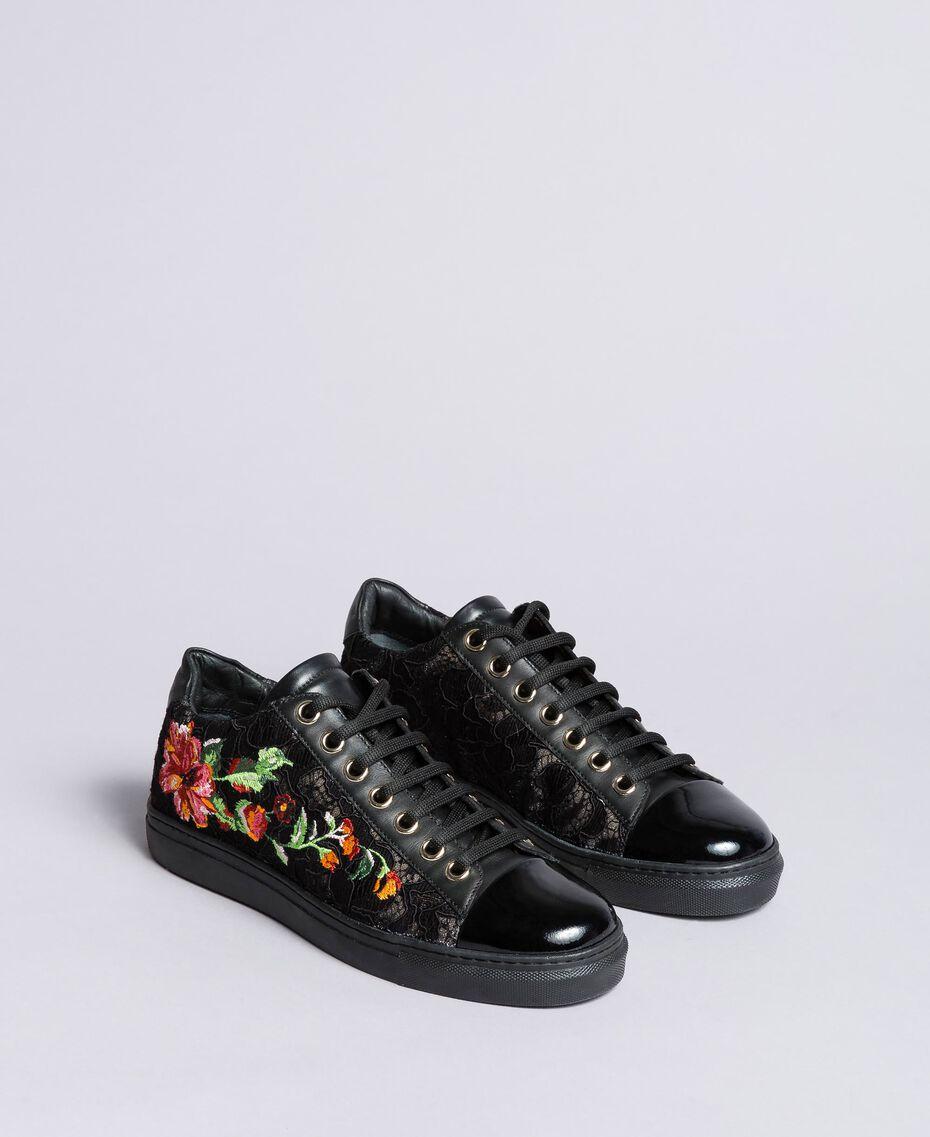 Baskets en dentelle et cuir avec broderie Noir Femme CA8PBN-01
