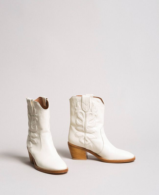 Leather cowboy boots with embroidery White Snow Woman 191TCP038-01