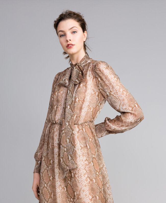 Vestido largo de gasa de seda con estampado de leopardo Estampado Camel Snake Mujer PA827B-04