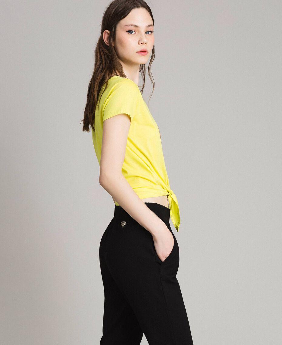 "Cropped-T-Shirt mit Herz ""Lemon Juice"" Gelb Frau 191LB23MM-02"