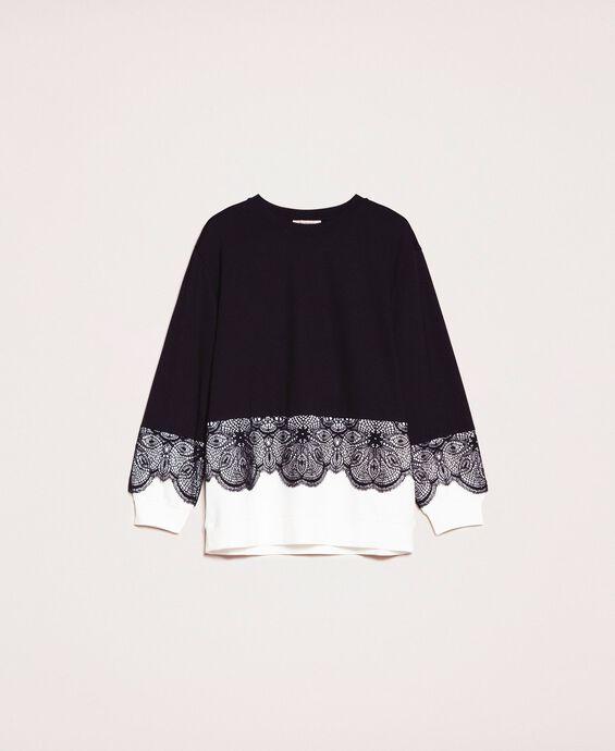 Блуза с кружевом макраме