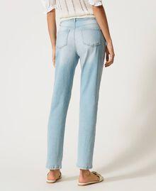 Boyfriend-Jeans mit Stick-Applikation Denim hell Frau 211MT2640-04