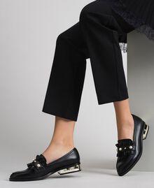 Mocassins avec perles et talon décoratif Noir Femme 192MCP020-0S
