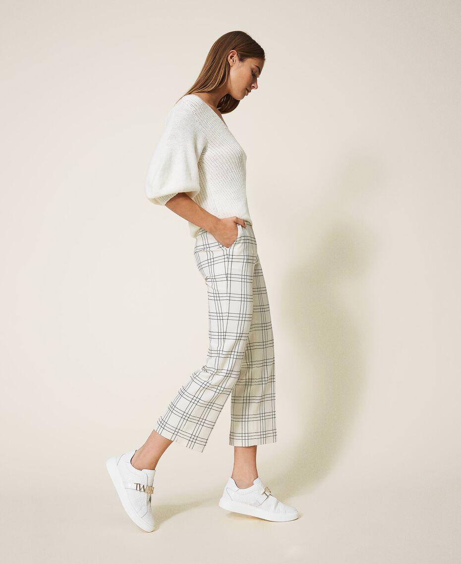 Pantalon cropped en laine mélangée à carreaux Carreaux Bicolore Blanc «Neige» / Noir Femme 202TP254C-03