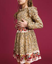 Kleid aus Georgette mit Animal- und Blumenprint Print Leopard / Blumen Kind 192GJ2572-04