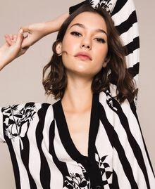 Maxi cardigan imprimé avec fentes Imprimé Fleur sur Rayé Neige / Noir Femme 201TP3261-04