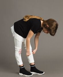 Pullover aus Baumwolle und Spitzen-Top Zweifarbig Schwarz / Off White Kind 191GJ3020-02