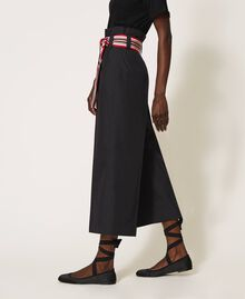 Hose mit mehrfarbigem Gürtel Schwarz Frau 202LI2ECC-03