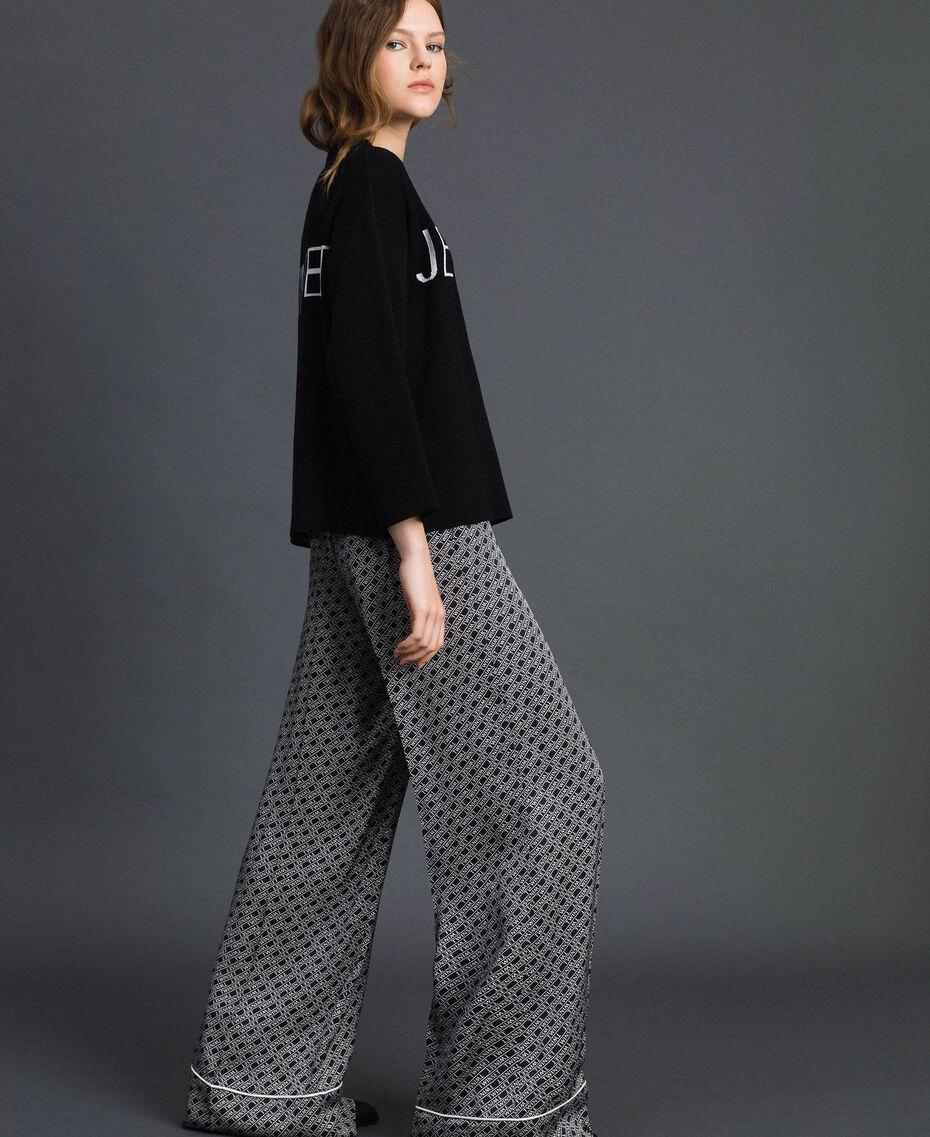Pull boxy avec logo jacquard Jacquard Noir / Blanc Neige Femme 192TP332F-02