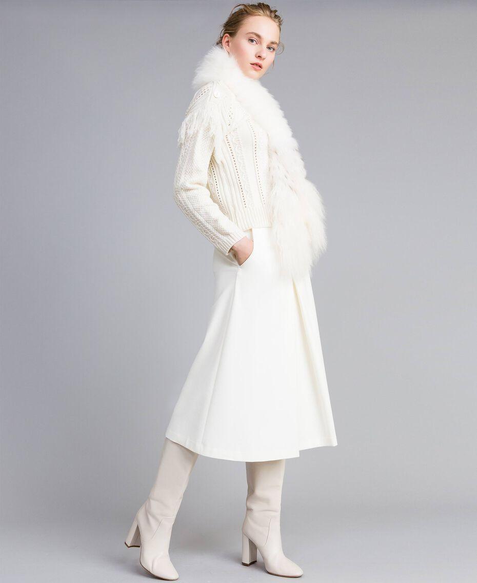 Pullover aus Wollmischung mit Fransen Weiß Schnee Frau PA83BA-0T