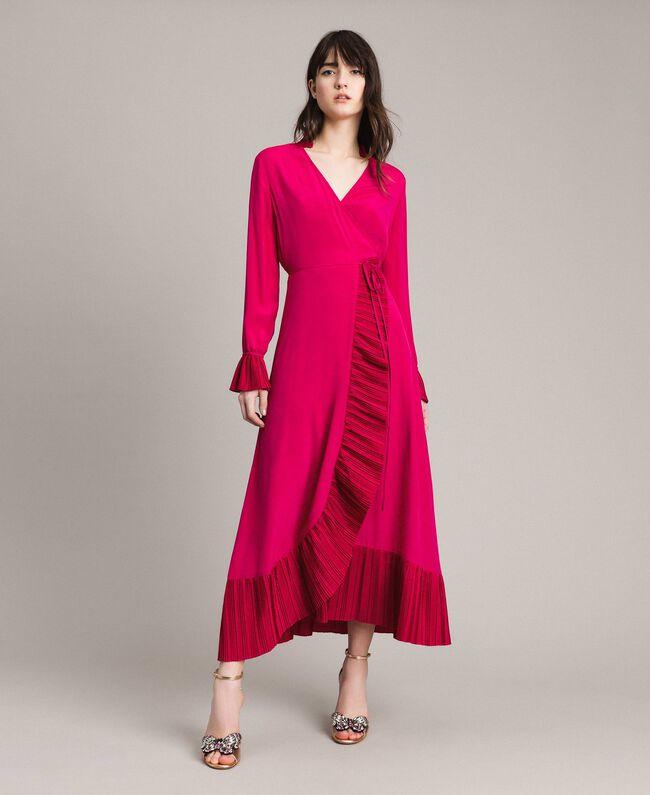 0878bf70309 Платье с запахом из смесового шелка Фуксия