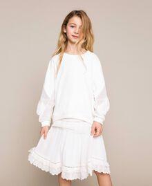 Толстовка со вставками с вышивкой сангалло и оборками Off White Pебенок 201GJ2461-02