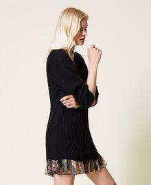 Robe en laine mélangée avec fond de robe floral Bicolore Noir / Imprimé Indian Flower Noir Femme 212TP3510-04
