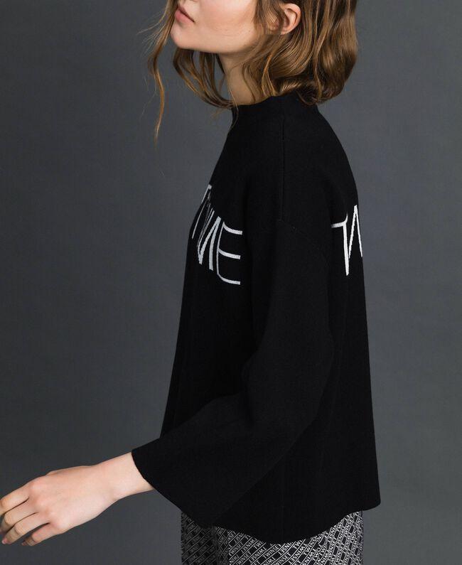 Pull boxy avec logo jacquard Jacquard Noir / Blanc Neige Femme 192TP332F-04