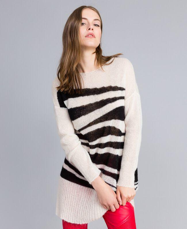 Maxi pull en mohair avec incrustation Bicolore Blanc Nacre / Noir Femme JA831A-01