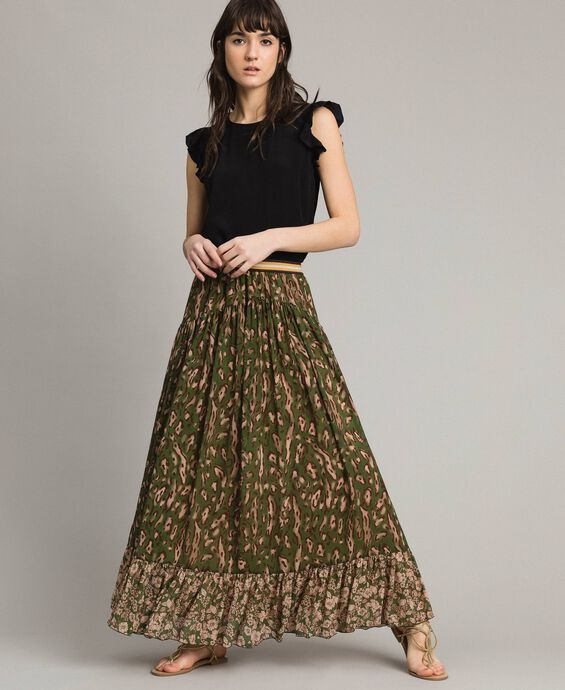 Long skirt with double pattern