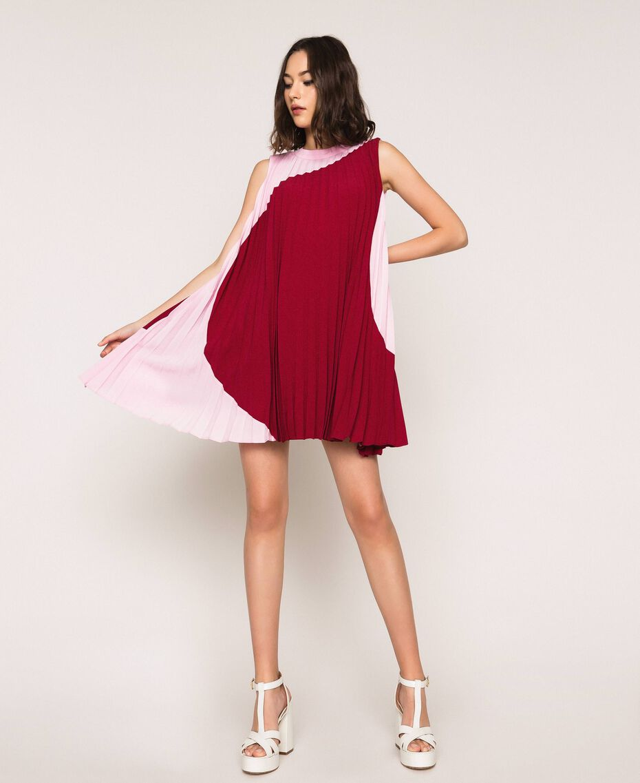"""Pleated crêpe de Chine dress Two-tone """"Crimson"""" Red / """"Candy"""" Pink Woman 201ST2011-02"""