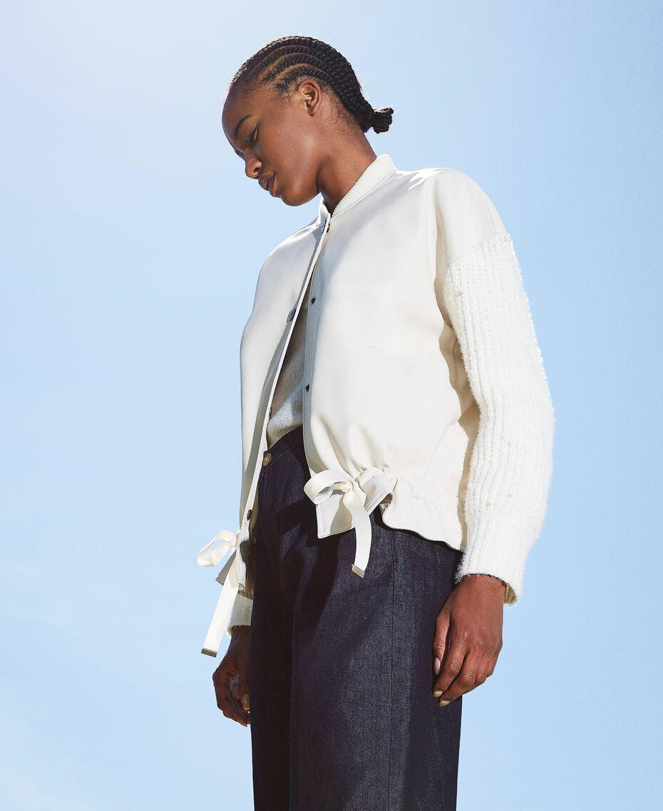Бомбер из искусственной кожи с вязаными рукавами Бело-кремовый женщина 202MP2520-02