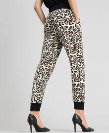 Pantalon de jogging avec imprimé animalier Imprimé Animalier / Noir Femme 192MP2390-03