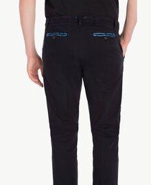 Pantalon chino Noir UA72CA-05