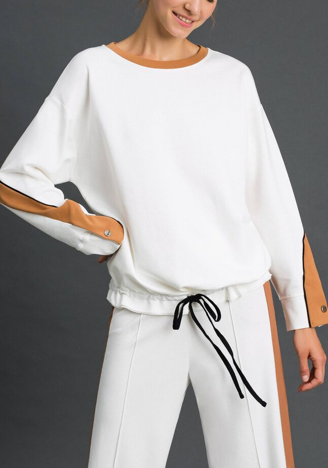 Sweatshirt with contrasting bands and drawstring