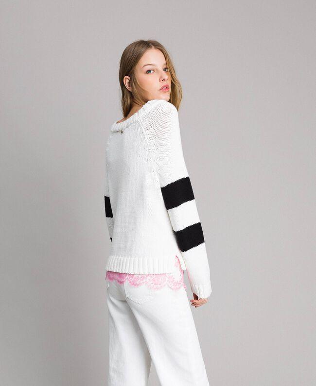 Pullover mit Herzintarsie White Sahne Frau 191MP3021-03