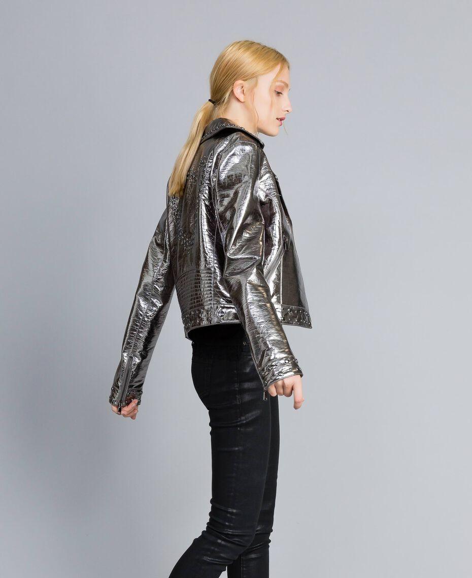 Jacke aus Metallic-Lederimitat Gewehrlauf Grau Frau YA82BN-02