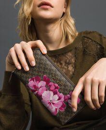 Geldbörse aus bedrucktem Lederimitat Schmetterling-Blumen-Print Armeegrün Frau 192TA7019-0S