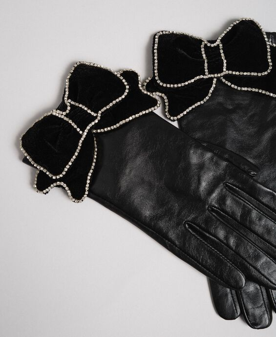 Leather gloves with velvet and stone bow