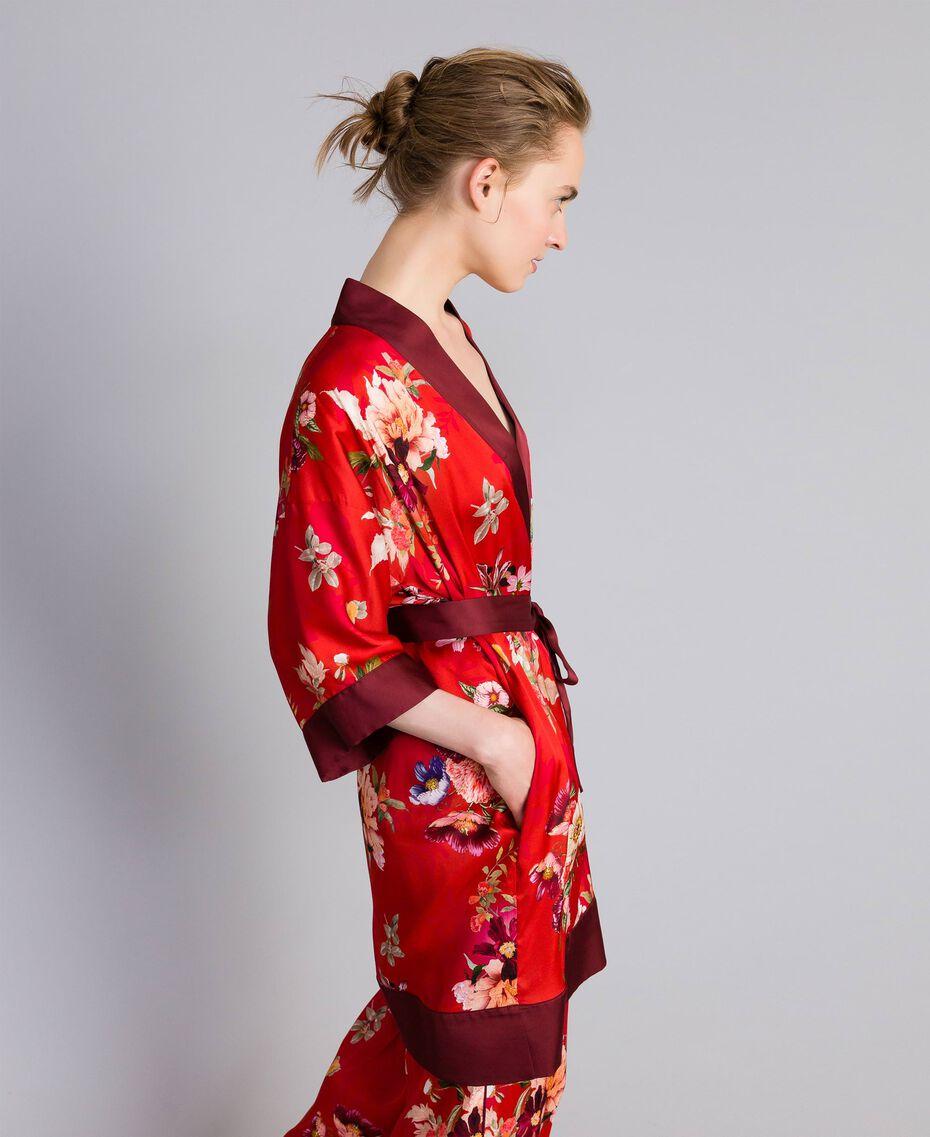 """Langer Kimono aus geblümtem Satin Print """"Red Garden"""" Frau PA829N-02"""