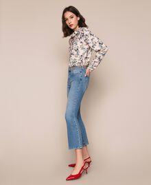Jeans flare con borchie Denim Blue Donna 201MP226A-02
