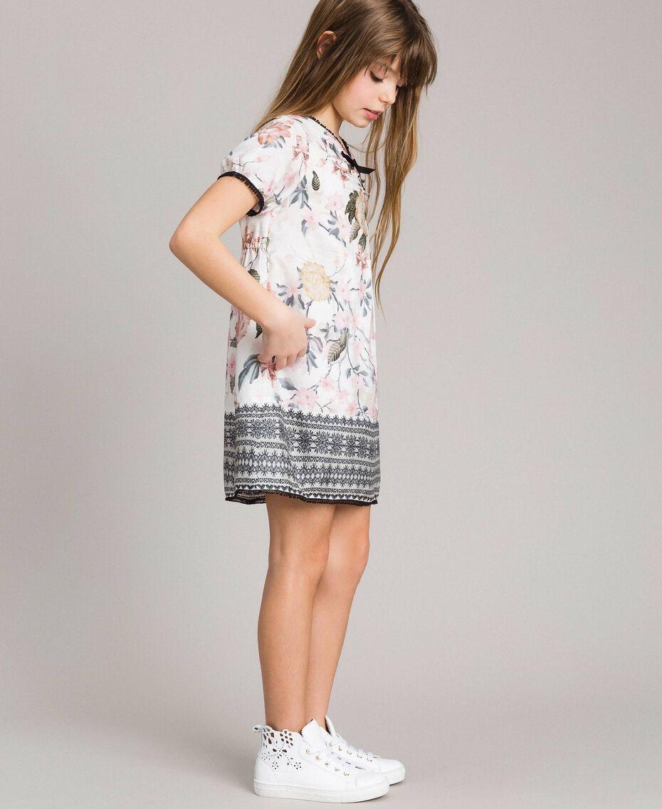 Viskose-Kleid mit Spitzen-Aufdruck und Blumenmuster Motiv Ramage Schmetterling Kind 191GJ2520-02
