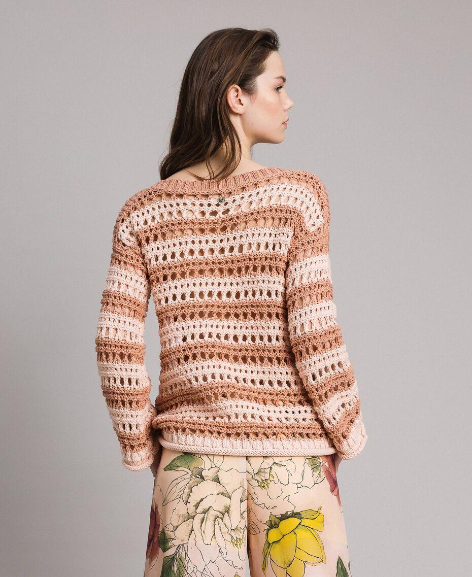 """Pullover mit Durchbruch-Streifenmuster Zweifarbig """"Rose Sand"""" Pink / """"Desert Rose"""" Beige Frau 191MT3130-03"""