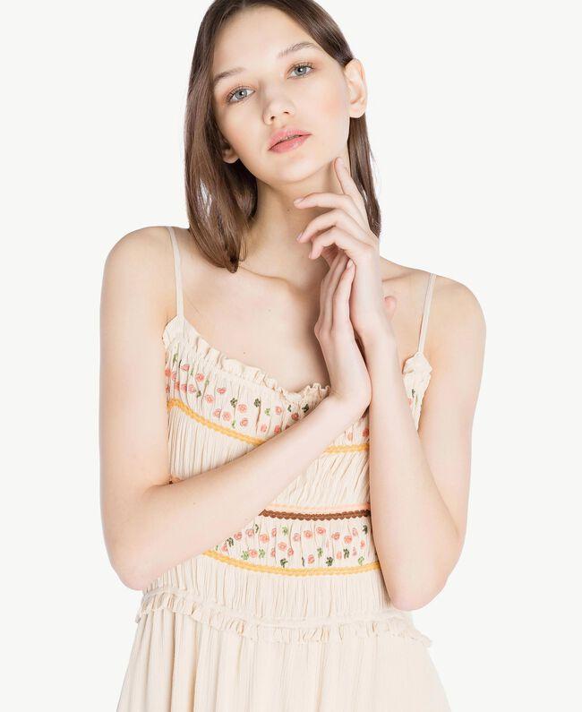 Langes Kleid mit Stickerei Seil Frau SS82HD-04