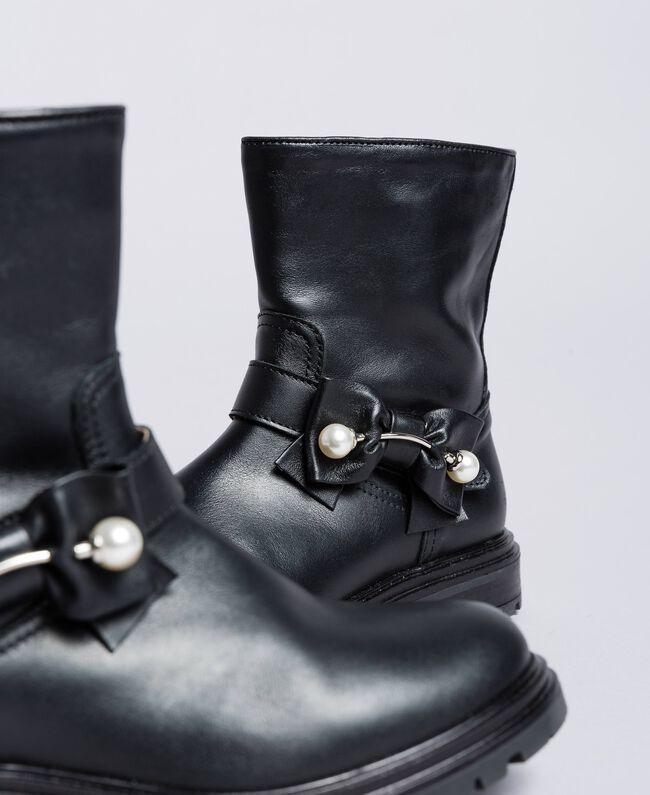 Кожаные сапожки с жемчужинами Черный Pебенок HA88AJ-04
