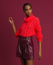 Short en similicuir Rouge Velours Femme 192TT203A-01