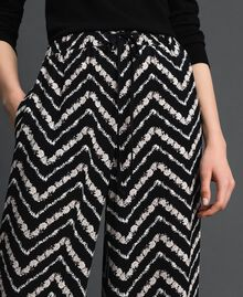 "Floral and chevron print palazzo trousers Black / ""Snow"" Chevron Print Woman 192TP252C-04"