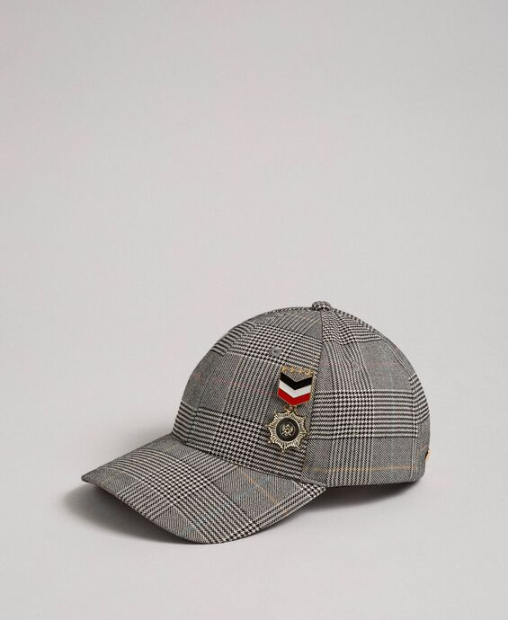 Baseball hat with brooch