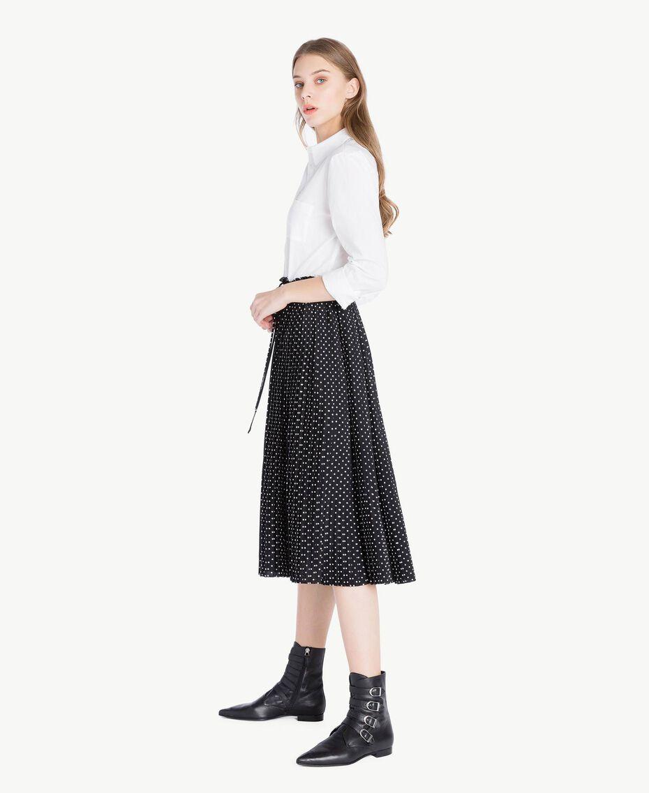 Hemdblusenkleid Zweifarbig Optisches Weiß / Schwarze Tupfen Frau PS82L1-02