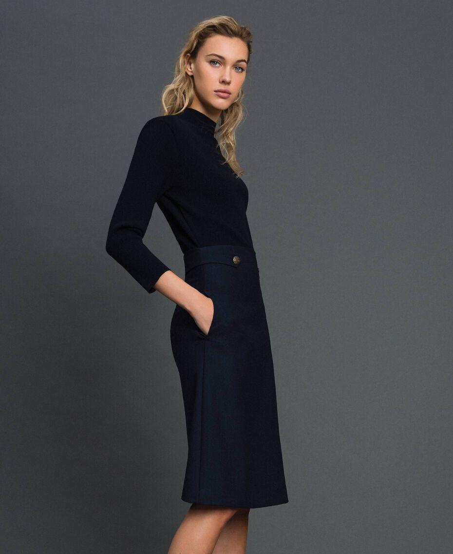 Kleid aus geripptem Gestrick und technischem Wollgewebe Midnight-Blau Frau 192TT3282-02