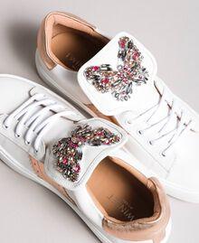 Leder-Sneakers mit Schmetterlings-Aufnäher Weiß Frau 191TCP10J-03