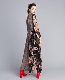 Robe longue en crêpe georgette avec imprimé floral Imprimé Fleur Patch Femme PA82MC-03