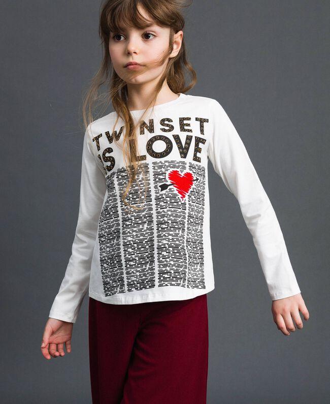 T-shirt avec imprimé et clous Imprimé Journal / Blanc Cassé Enfant 192GJ231B-01