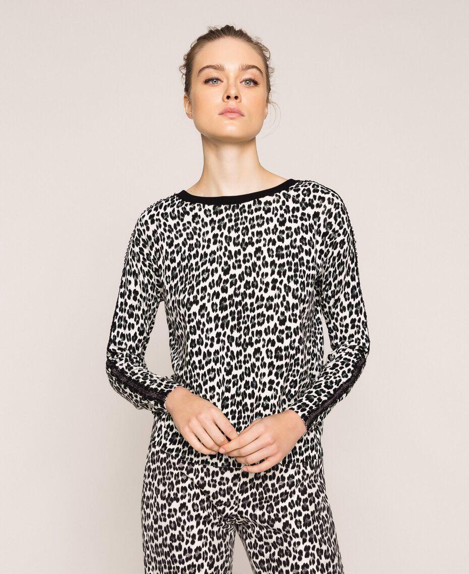 Трикотажная кофта-кардиган с животным принтом Принт Животный Лилия / Черный женщина 201MP306A-05