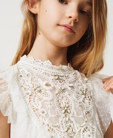 Kleid aus Tüll und Musselin mit Stickerei Mattweiß Kind 211GJ2Q3B-04